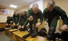 Омбудсмен предлагает давать врачам госклиник отсрочку от службы в армии