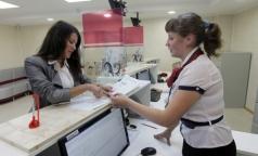 ТФОМС Петербурга: получать полисы ОМС и менять старые полисы на новые можно и после 1 ноября
