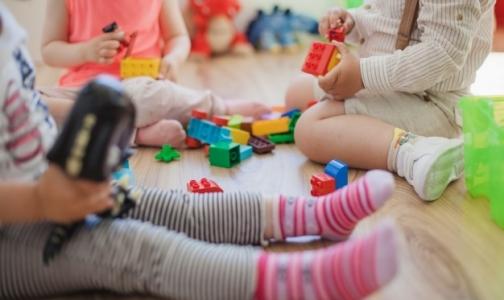 В петербургском детском саду отравились 14 детей, у половины выявлен сальмонеллез