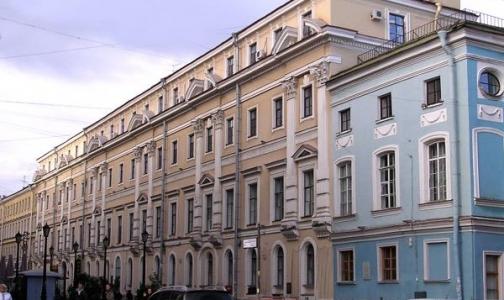 В Петербурге угрозы о заминировании получили 28 больниц и комздрав