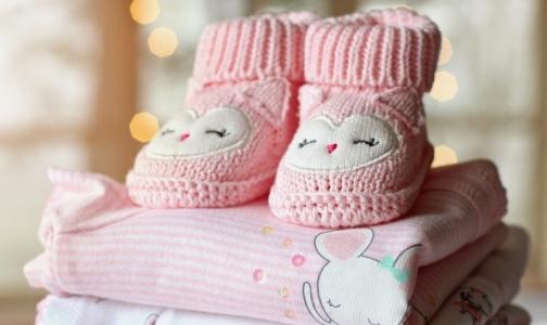 Рождаемость в Петербурге продолжила падение