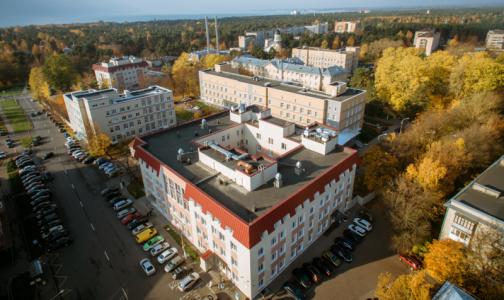 В больнице Сестрорецка отбивались от налётчиков, пострадал главный врач