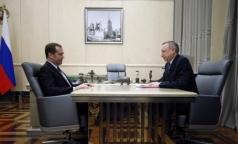 Премьер-министр пообещал врио губернатора Беглову деньги на лекарства, поликлинику и офисы общей практики