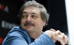 «Бог есть»: Писатель Дмитрий Быков рассказал, что видел в медикаментозной коме