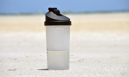 Вода, квас или лимонад: какие напитки помогут пережить жару