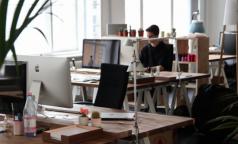 Пятничное напутствие трудоголикам: много работать вредно для здоровья