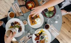 Диетологи: 14 «полезных советов» о питании, которым вовсе не полезно следовать