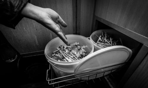 В Петербурге за полгода наркоманы сдали в утиль более 106 тысяч использованных шприцев