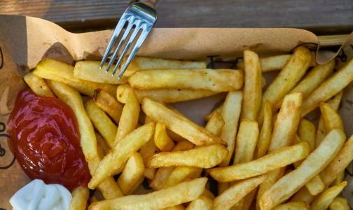 Ученые выяснили, какая пища резко увеличивает рост опухоли кишечника