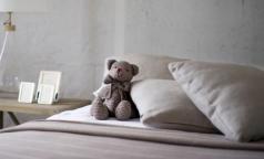 В петербургской больнице ребенка положили в коридоре. В комздраве говорят: «Нарушений нет»
