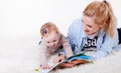 Роспотребнадзор рассказал, как заниматься дома с детьми, чтобы не испортить им зрение