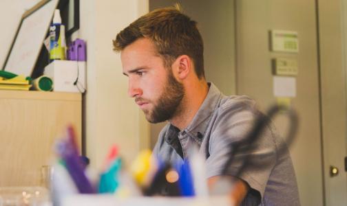 Роспотребнадзор рассказал, как офисные работники могут сохранить здоровье