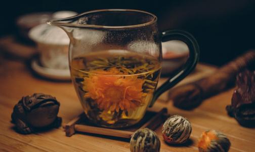 Елена Малышева советует спасаться от рака чаем со специями