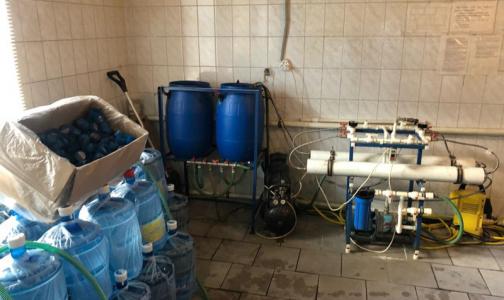 В Петербурге в офисные кулеры поставляли воду из-под крана