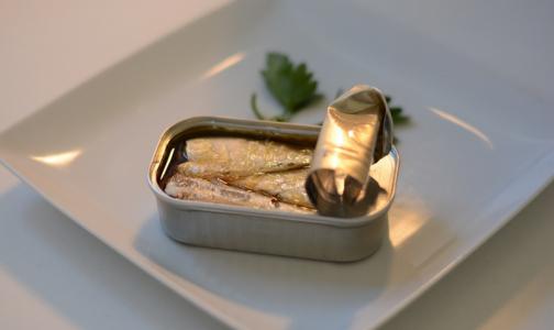Роспотребнадзор рассказал, как выбрать качественные рыбные консервы