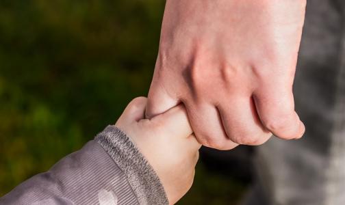 Родителей девочки, которая пять лет жила в перинатальном центре, хотят лишить прав
