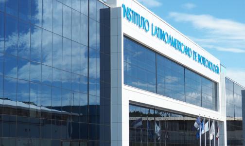 Импортозамещение на экспорт: Петербургский НИИ вакцин и сывороток получил три премии за никарагуанский проект