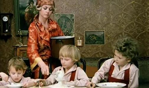 Врач: Если заботитесь о здоровье ребенка, не кормите его манной кашей