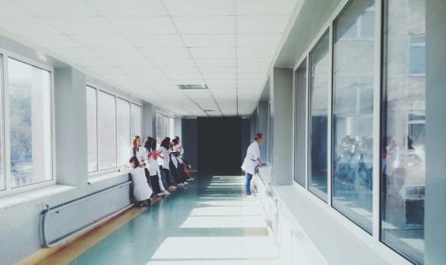 Медколледжи Петербурга будут работать в 3 смены — ждут наплыв будущих медсестер