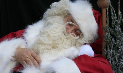 Петербургский невролог: Бессонные ночи в праздники вредят и мозгу, и фигуре