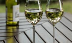 Эксперты рассказали, сколько петербуржцев умерли в 2019 году из-за отравлений алкоголем