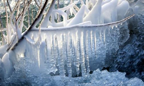 Врачи: Не ешьте снег и не грызите сосульки, даже чистые на вид