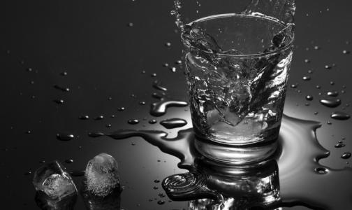 Главный нарколог Минздрава объяснил, почему россияне любят водку