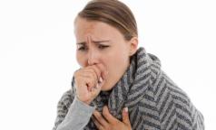 Почему мы «кашляем головой» и нужны ли легким горчичники