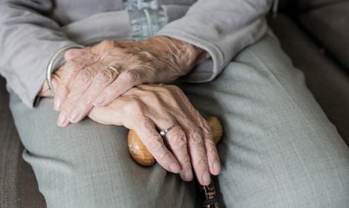 Таблетка для заражения коронавирусом: Пожилых петербуржцев с онкозаболеваниями заставляют ежедневно ездить в клиники