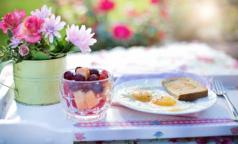 Диетологи рассказали, какой завтрак весной прибавит сил