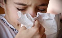 """Главврач Боткинской больницы: При коронавирусе бывает и насморк, и """"мокрый"""" кашель"""