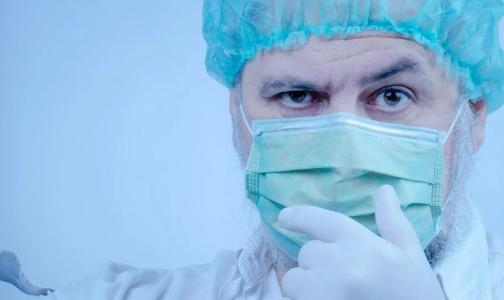 На доплаты медикам Петербурга за помощь пациентам с Covid дадут более 221 млн рублей