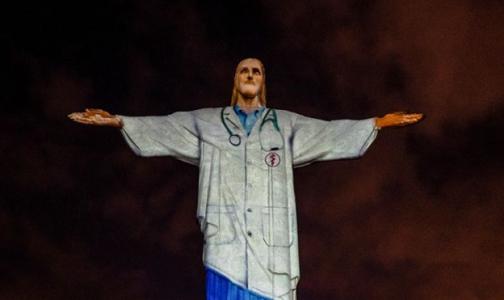 Статую Христа-Искупителя в Рио-де-Жанейро «одели» в медицинскую форму