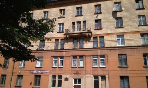 Коронавирус закрыл общежитие Первого меда