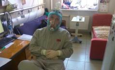 Заразившийся коронавирусом анестезиолог-реаниматолог: «Средства защиты собирали втайне от главврача»
