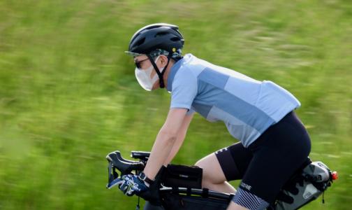 Иммунолог рассказал, как носить защитную маску весной