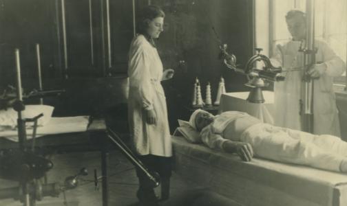 В НМИЦ онкологии им. Петрова запустили онлайн-выставку о работе в годы войны