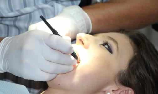 «Мы будем за вами следить». Стоматологи из 38-поликлиники получили ответ на публичную дискуссию о «коронавирусных» выплатах