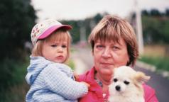 «Веселая, добродушная, любимая мама. Ей был всего 61 год». В Петербурге от коронавируса снова умер врач