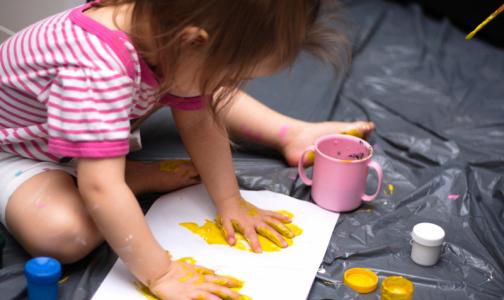 В петербургском ФСС рассказали, как получить увеличенное пособие по уходу за детьми до 1,5 лет