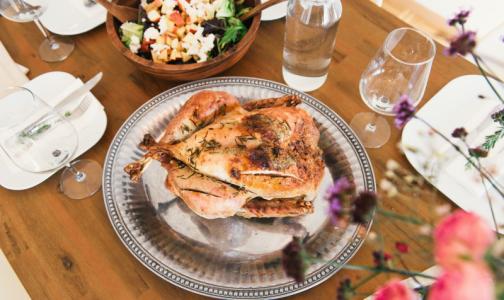 Роскачество нашло в курином филе антибиотики и хлор