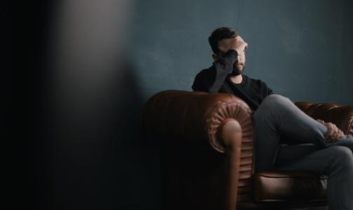 Психотерапевт НМИЦ им. Бехтерева: Петербуржцы считают потери от пандемии и впадают в депрессию