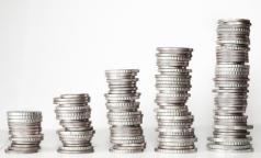 Смольный изменил правила «ковидных выплат»: деньги получат больше категорий работников, но только в городских медучреждениях