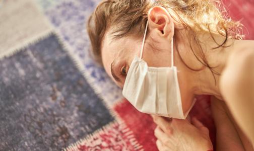 «Лежу целыми днями и реву». Петербуржцы называют последствия заражения коронавирусом «ковидным синдромом»