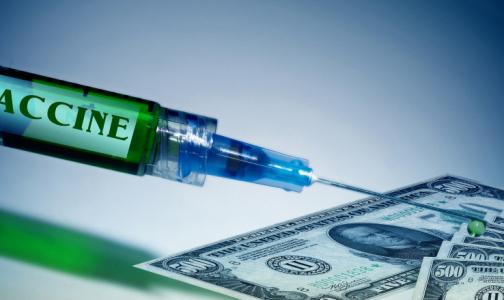 Bloomberg: Российская элита имела доступ к вакцине от коронавируса еще в апреле