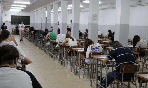 Ученые: Вернувшиеся на учебу студенты могут «поднять» заболеваемость коронавирусом на 20%