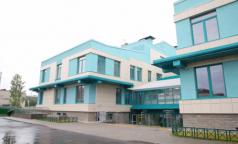 «Поликлинику давно ждут». Губернатор Петербурга назначил открытие поликлиники-долгостроя в Стрельне