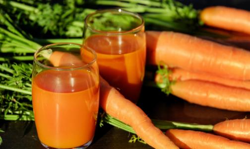 В Роскачестве рассказали, почему детокс-диета со свежевыжатыми соками вредна