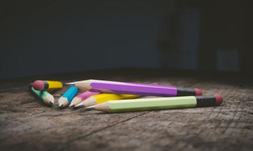 Комитет по образованию: Возврат к дистанционному обучению в школах возможен