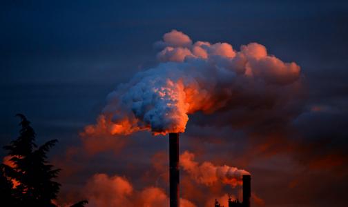В списке регионов с самым грязным воздухом Петербург занял 35 место